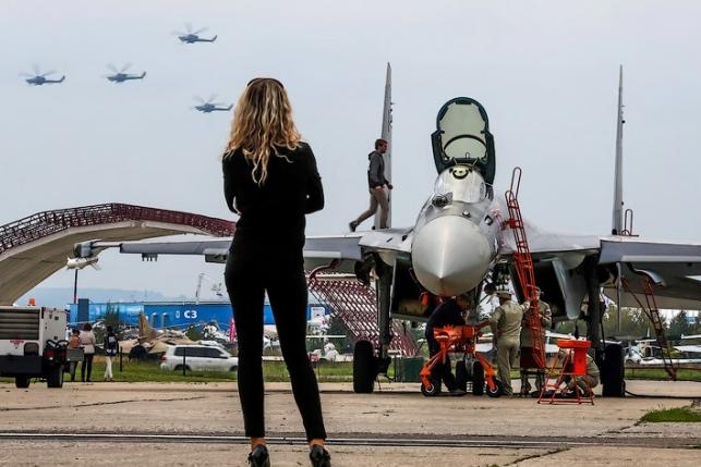 Выиграй билеты на МАКС-2017 от пилотов, которые отвезут тебя на авиасалон бесплатно