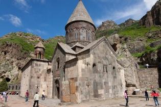 Монастырь Гегард и верховья реки Азат