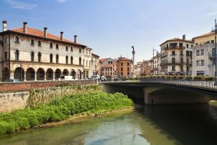 Город Виченца и вилла архитектора Палладио в области Венето