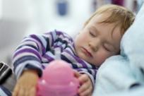 Что делать, если ребенок заболел в путешествии: 10 важных советов